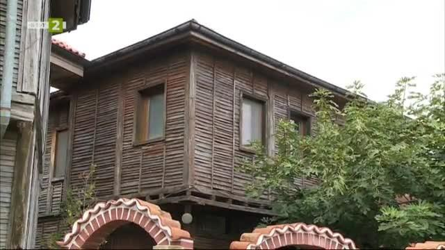 "Архитектурен ансамбъл ""Стари Поморийски къщи"""