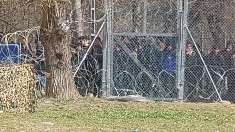 Съседи по време на криза - на живо от границите с Турция и Гърция