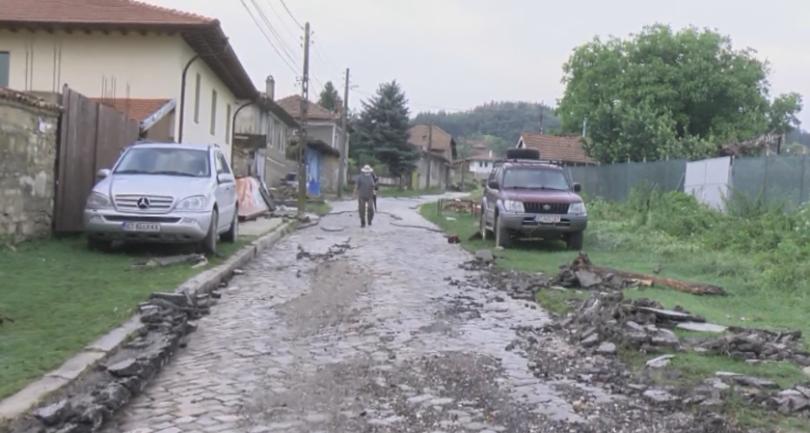 Оценяват щетите в наводненото великотърновско село Пчелище