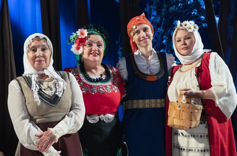 Светла Караджова с разказ за майка си - Надка Караджова.