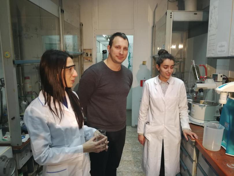 снимка 2 Учени от Института по полимери към БАН създадоха полимерен наноносител