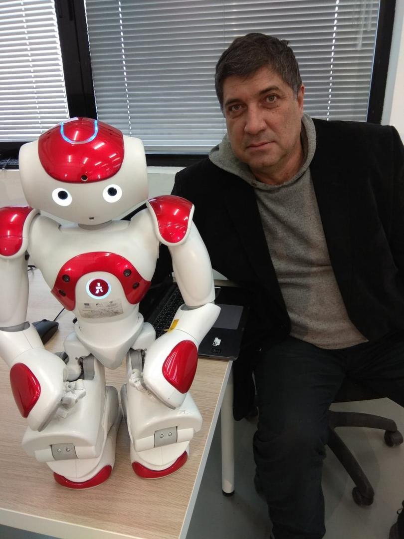 Софтуер за управление на роботи