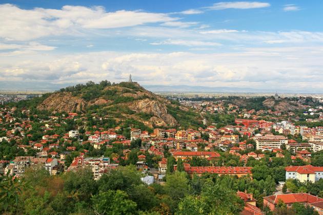 Започва реконструкцията на хълм Бунарджика в Пловдив. Защо има недоволство?