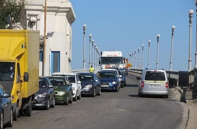 Как да се облекчи трафикът през граничния пункт Дунав мост