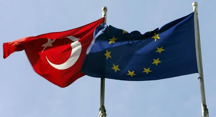 Преди ключовата среща ЕС – Турция. Говори министър Павлова