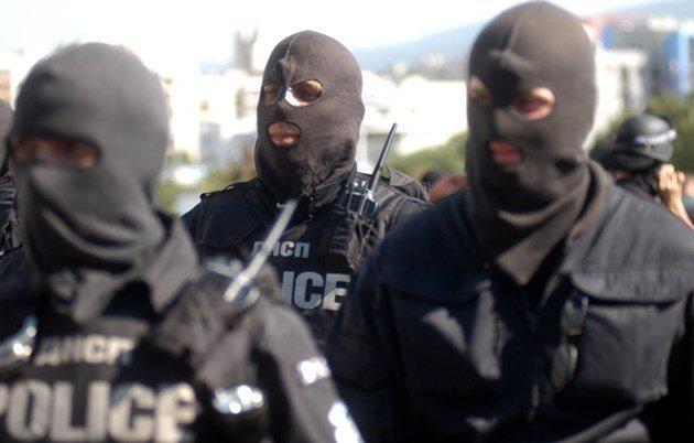 Спецакция на две места в София, има арести