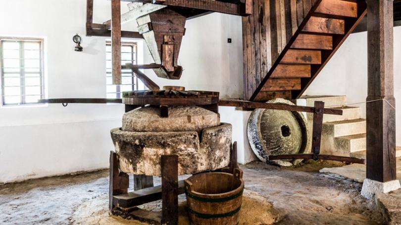 Как старите майстори са правили орехово масло?