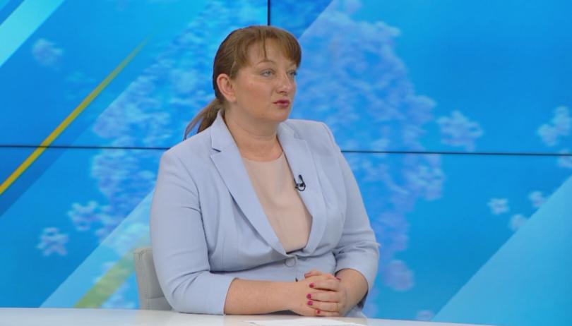 Социална подкрепа по време на криза – говори министър Деница Сачева