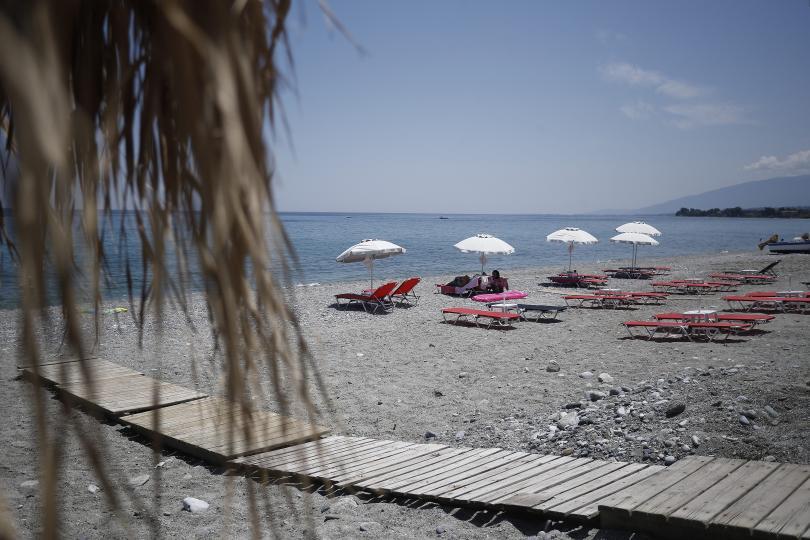 Туроператори притеснени от задължителната декларация за влизане в Гърция