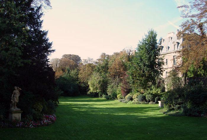 Италианското посолство в Париж