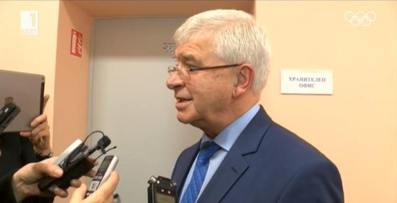 Health Minister temporarily bans non-EU citizens from entering Bulgaria
