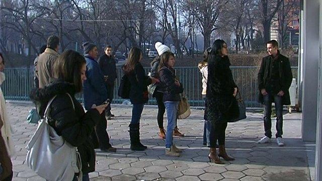 Студенти и ученици на опашки за транспортни карти в Пловдив
