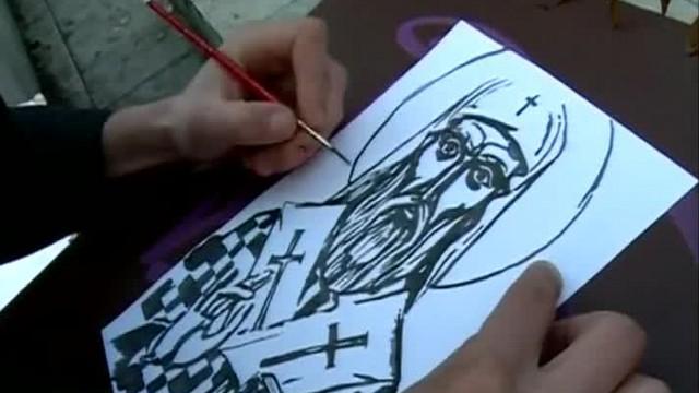 Художник от Пловдив рисува исторически личности в клипове