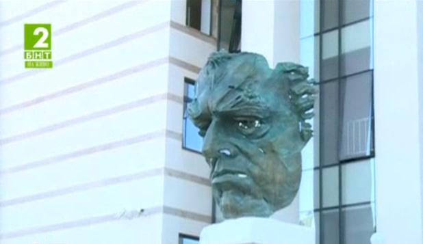 Откриват монумент на Борис Христов в Пловдив