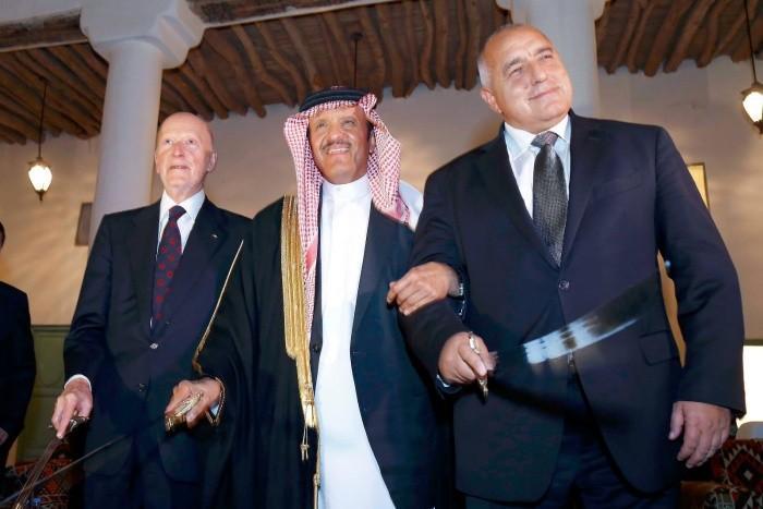Борисов и танцът със саби в Рияд