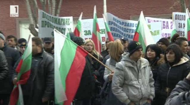 Какво изкара фермерите на протест пред земеделското министерство