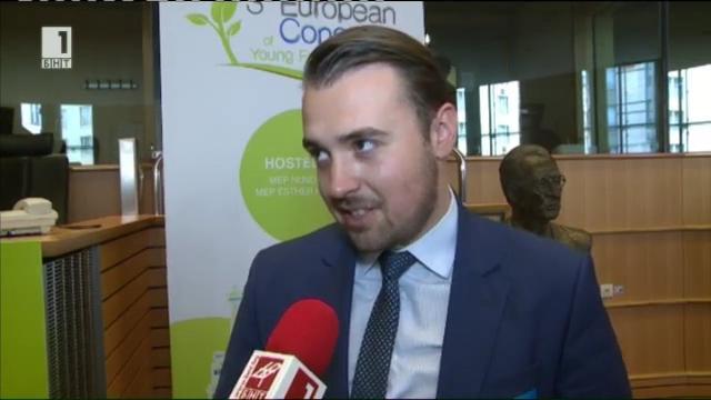 Петко Симеонов с голямата награда на Европейския конгрес на младите фермери в Брюксел