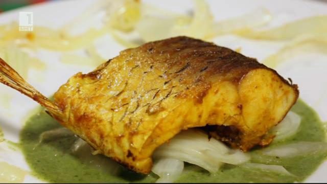 Риба в кокосов сос