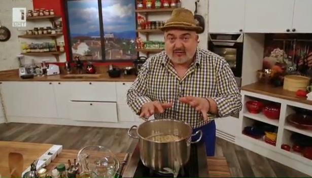 Бобена супа с песто от джоджен