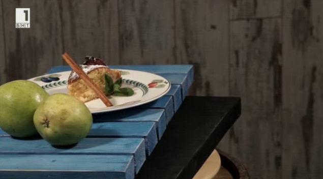 Кейк с марципан и медени круши