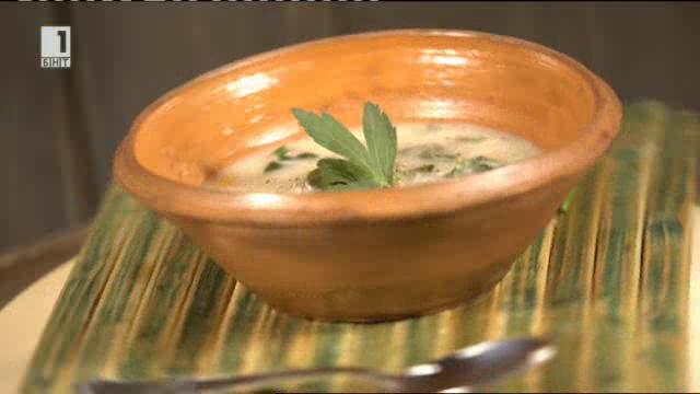 Застроена агнешка (ярешка) супа по селски