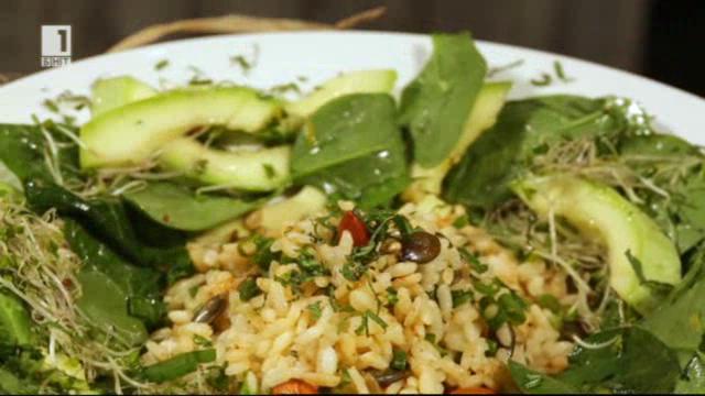 Студена оризова салата със спанак
