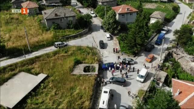 Пътят през Скобелево, Чурен и Върховръх е в окаяно състояние. Кой е виновен?