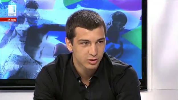 Александър Петров на върха на бойните спортове