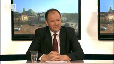 Миков призова към диалог между институциите