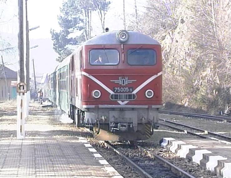 Студент убеди БДЖ да пуснат спрян влак