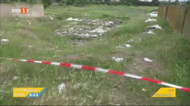 Все още не е ясен произходът на боклука, открит край Червен бряг