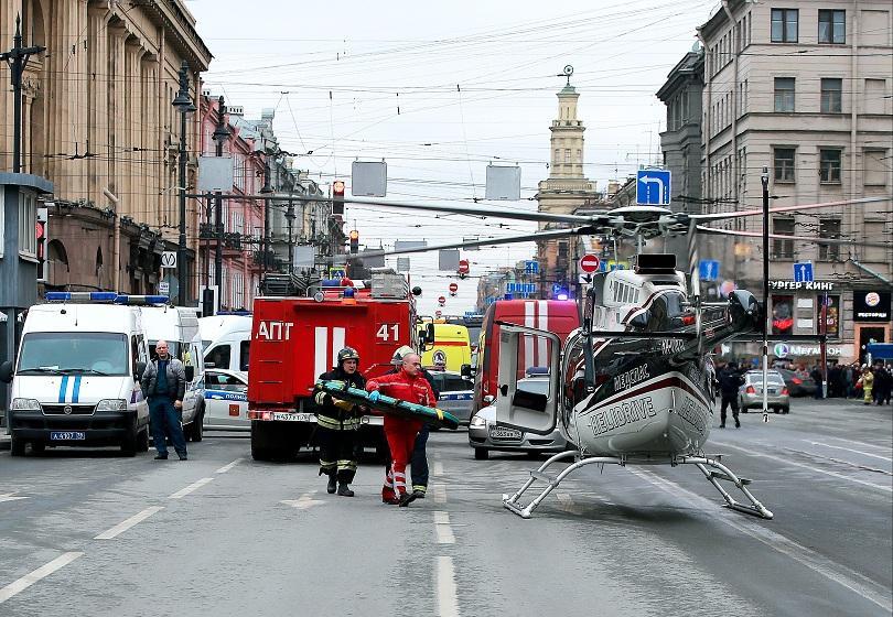 Санкт Петербург е в траур. Расте броят на жертвите след взрива в метрото