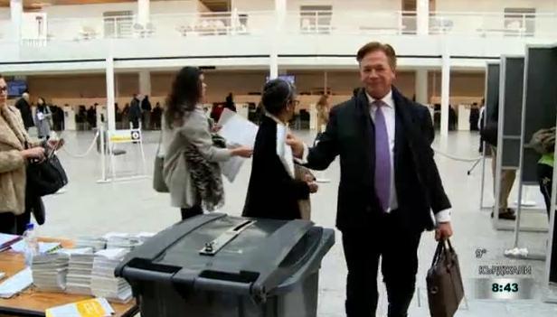 Гледайте Избори: Хартия vs машина тази вечер от 22:30 по БНТ1!