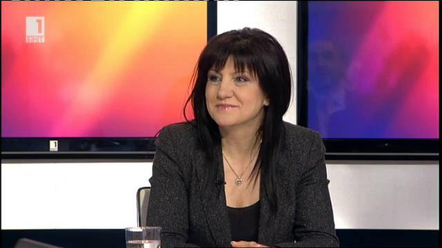 Цвета Караянчева: Темата за възродителния процес е претоплена манджа