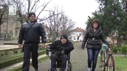 Българската Коледа помага на 14-годишния Кирчо от село Хайредин