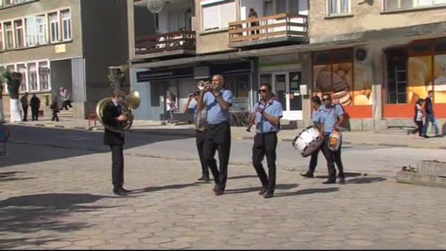 Ромски духов оркестър е емблемата на Златарица