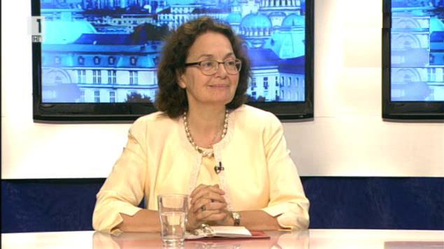 Гост в Денят започва в първия учебен ден - министърът на образованието Румяна Коларова
