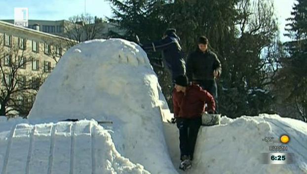 Работилница за снежни скулптури в центъра на Русе
