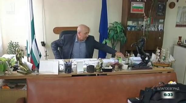 Защо кмет се отказа от поста, за да стане полицай