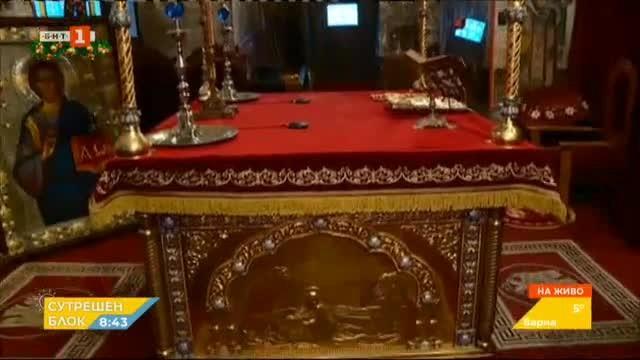 Реставрираха олтарния балдахин в Бачковския манастир