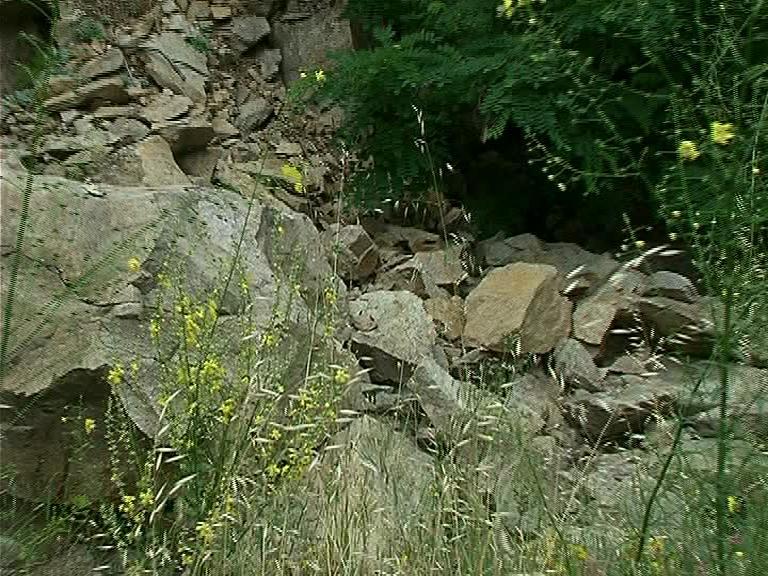 Падащи камъни в Кресненското дефиле