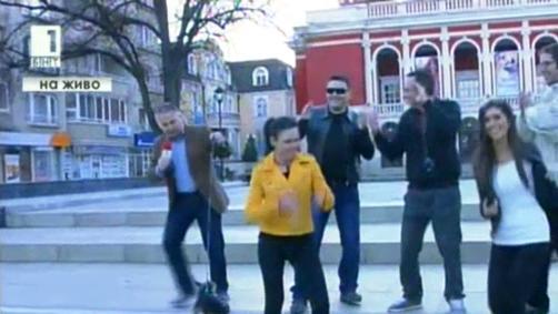 Русенци заснеха свой клип на песента Happy