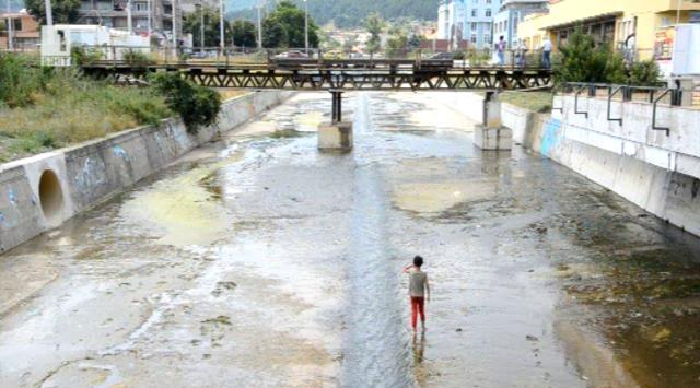 Непочистено корито на река заплашва Сливен