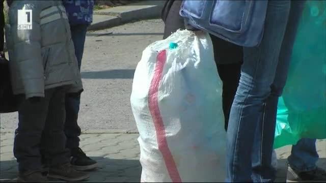 Електронни книги срещу пластмаса в кампанията Книги за смет 5