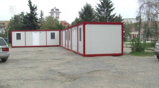 30 фургона и 14 стаи в ученическо общежитие за останалите без покрив в Мизия