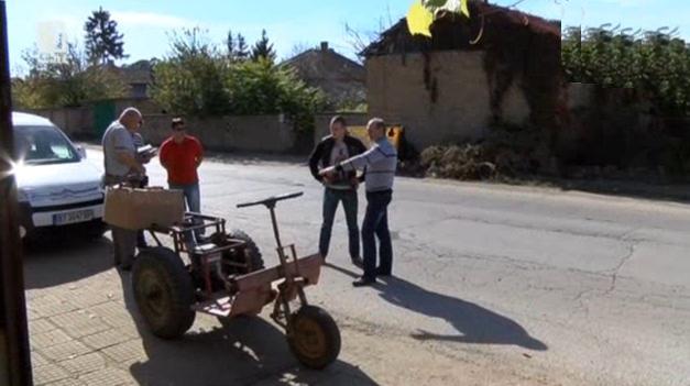 Изобретатели подкараха трактор с енергия от гравитацията