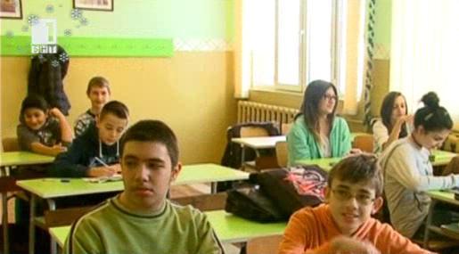 Учители с нова методика за обучение на деца от Сирия