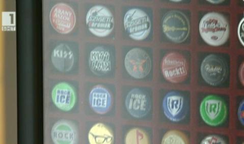 Колекция от 27 000 бирени капачки