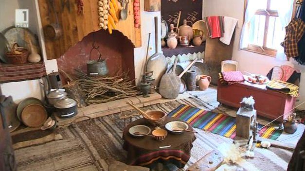 Майстори от Сопот съживяват стари български занаяти