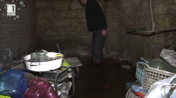 ВЕЦ наводнява къщи във врачанското село Хайредин